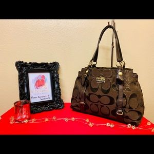 COACH CHOCOLATE BROWN MIA SIGNATURE CARRYALL